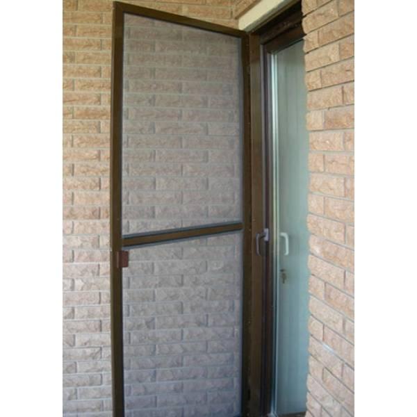 Москитная дверь на петлях